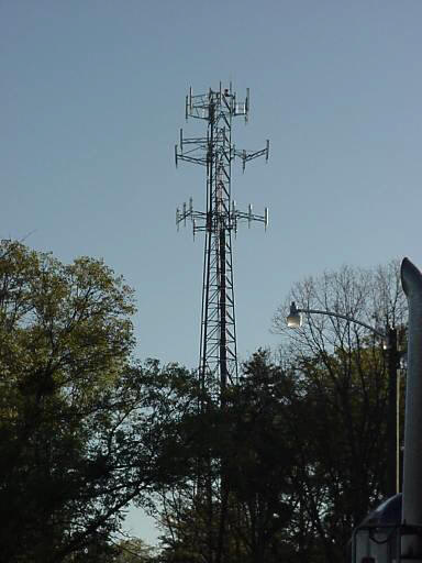 how do cell  towers work